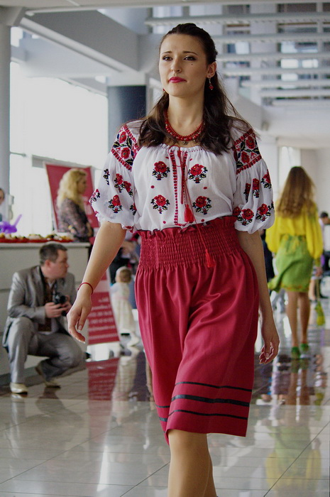 ПОКАЗ МОДЕЛЕЙ НА NIKO JUNIOR FEST - 28 04 2013 - Магазин-салон ... 82012d2955151